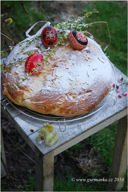 Easter mazanec - traditional Slovak-Czech sweet bread (Cz)
