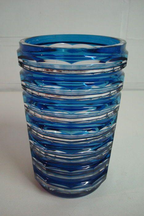 Een Val Saint-Lambert blauw kristallen vaas, België, omstreeks 1950