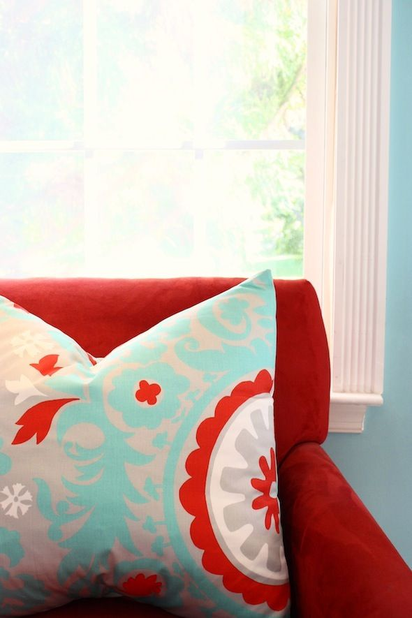 Turquoise and red - thinking about this colour combo for the living room