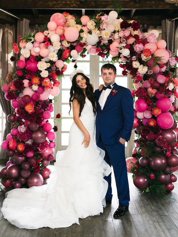Wedding Balloon Arch - Photo: Artem Petrov