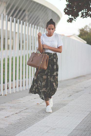 Get this look: http://lb.nu/look/7769300  More looks by Bárbara Marques: http://lb.nu/mykindofjoy  Items in this look:  Zara Tshirt, Lovelywholesale Skirt, Stradivarius Sneakers, Prada Bag