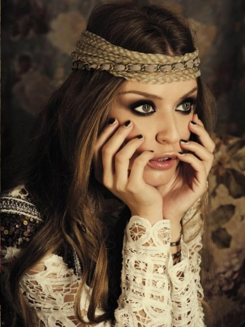 Love her make up.  Toni Malt | cute  #hippie  #bohemian #gypsy  #photography