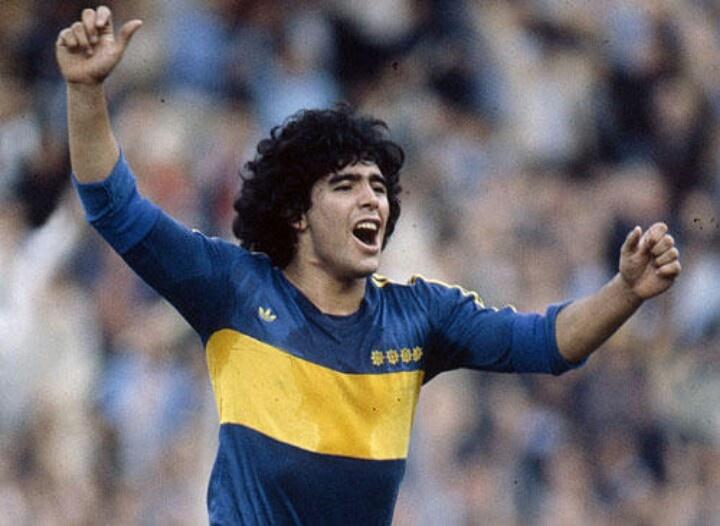 Maradona en su 1er epoca en Boca jrs