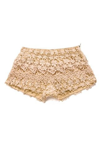 I have been looking for a pair of shorts like these for months.. I want to try them on in store though #fashionproblems #yuppyscum #style: Style, Crochet Shorts, Indie, Unique Fashion, Peach Shorts, Retro, Peaches, Crochet Shorty, Floral Crochet