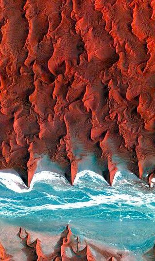Korea's Kompsat-2 satellite captured this image over the sand seas of the Namib Desert on 7 January 2012.