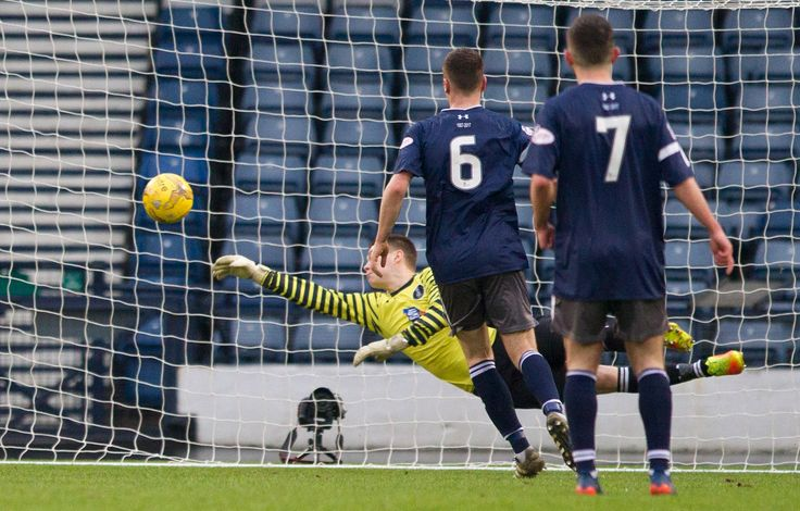 Queen's Park's Wullie Muir saves in action during the Ladbrokes League One game between Queen's Park and Livingston.