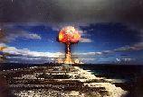 W świecie rozwiniętych dziedzin zbrojeń, technologii chemii, fizyki, trudno nie poruszyć na tej stronie tematu, który przesłania wszystko.Broń atomowa.