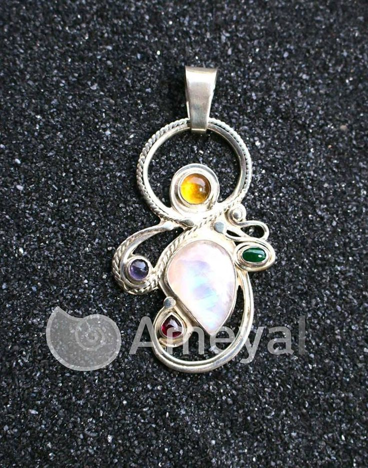 Yadhy - Silver pendant jewelry with  Citrine from Madagaskar, Amethyst from Brasil, Moondstone from  Sry Lanka, Rhodolite from USA and Emerald from Colombia