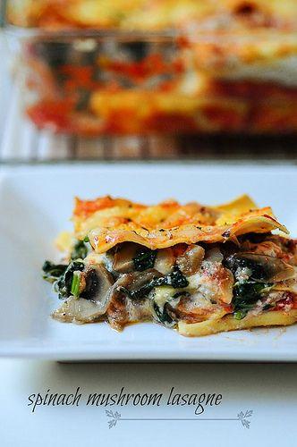 spinach and mushroom lasagna recipehttp://www.cookingandme.com/2013/04/vegetarian-lasagna-spinach-mushroom-lasagna.html
