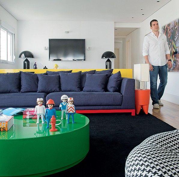 Muitas peças da casa do designer de interiores Diogo Oliveira foram conquistadas…