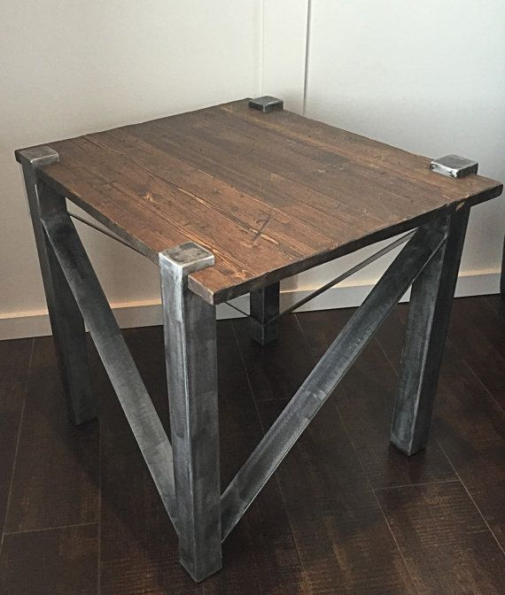 Table rustique de fin industrielle