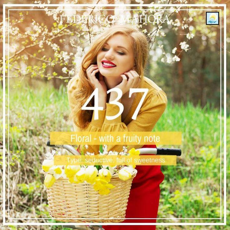 Parfum 437 is een verleidelijke en spannende geur. Type: modern, verfijnd *bloem-fruit Topnoten: bergamot, aardbei, verse bloemen Hartnoten: perzik, osmanthus, framboos macarons Basisnoten: cacao, amber, vanille