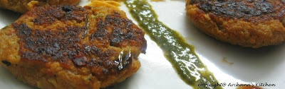 Aloo Tikkis (Pan fried Potato Patties)