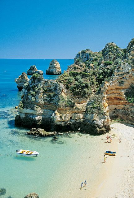 Do you have any travel plans this winter? We're especially drawn to this beautiful beach in Portugal. Lagos, Praia do Camilo
