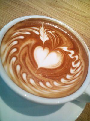STREAMER COFFEE COMPANY-フリーポアラテアートの世界チャンピオンさんのカフェ