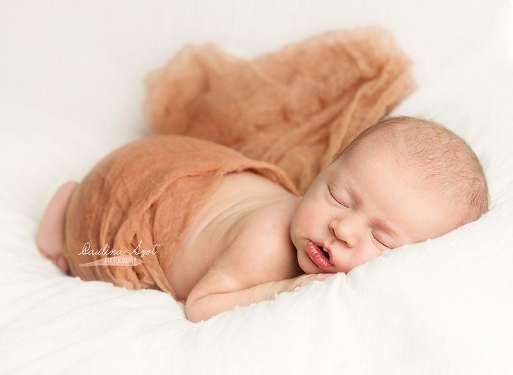 Baby girl newborn newborn photography newborn photographer aylesbury newborn photographer buckinghamshire