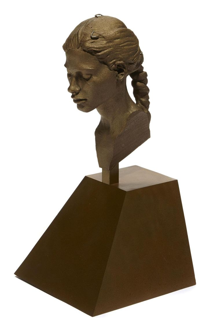 This bronze by Robert Graham, titled 'Virgin Head' is on the block at the #LaurenBacall Sale. http://www.bonhams.com/auctions/22741/lot/88/…