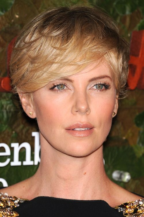 Short Hair With Bangs – 20 Mind-Blowing Celebrity Looks