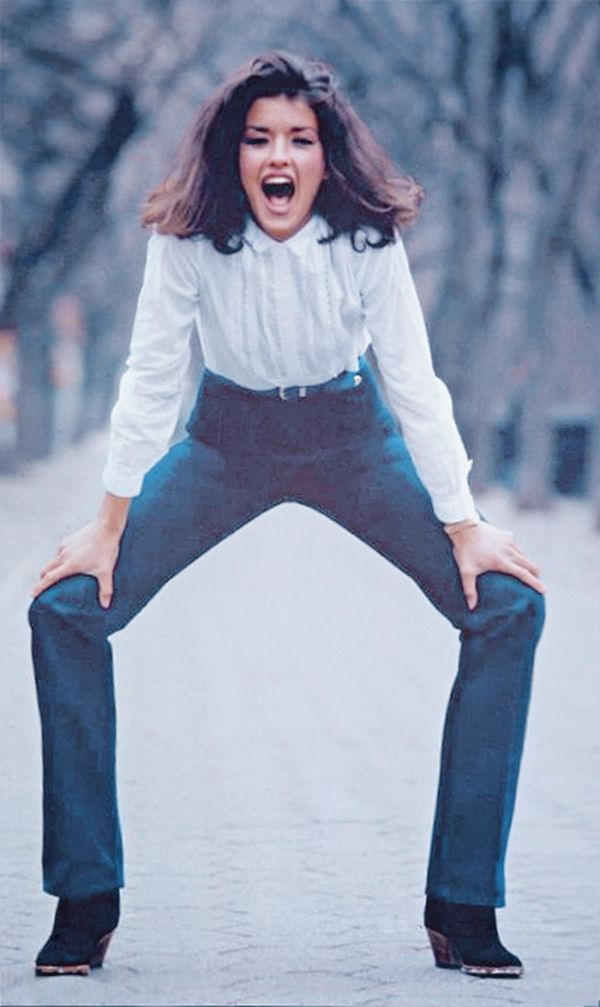 Picture of Janice Dickinson, she had legs that seemed to ...