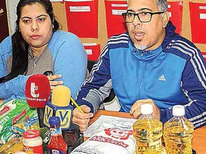 Maduro saca raja a víveres de México; vende despensas 112% más caras a pobres  DE ENERO A MAYO DE 2017 VENEZUELA DESBANCÓ A EU COMO EL PRIMER COMPRADOR DE ARROZ Y FRIJOL NEGRO ENTRE OTROS PRODUCTOS BÁSICOS MEXICANOS  El gobierno de Nicolás Maduro hace negocio redondo con despensas que compra en México para venderlas 112% más caras a los pobres de su país.  Mientras públicamente ambos países atraviesan por una crisis diplomática fuera de los reflectores son socios de un negocio en auge.  De…
