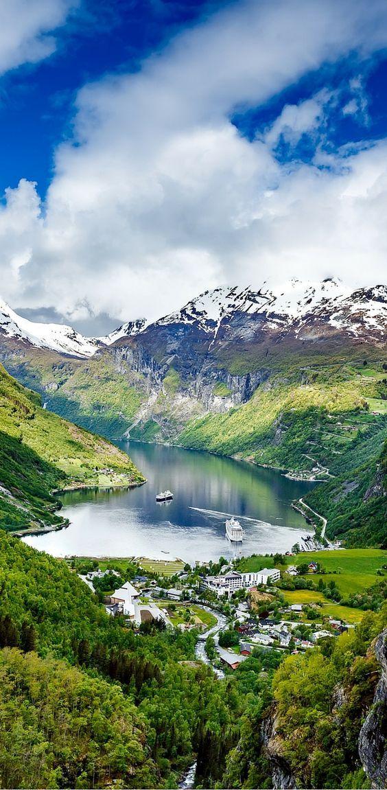 Increíble vista de los fiordos en Noruega