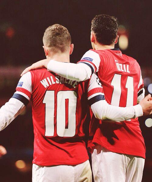 Wilshere y Özil Arsenal
