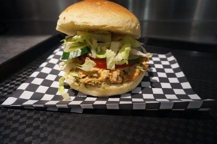 Le super Sandwich aux cretons!  Cretons Mayo maison aux tomates séchées Échalotes Romaine Concombres Tomates  FOUDICI.COM