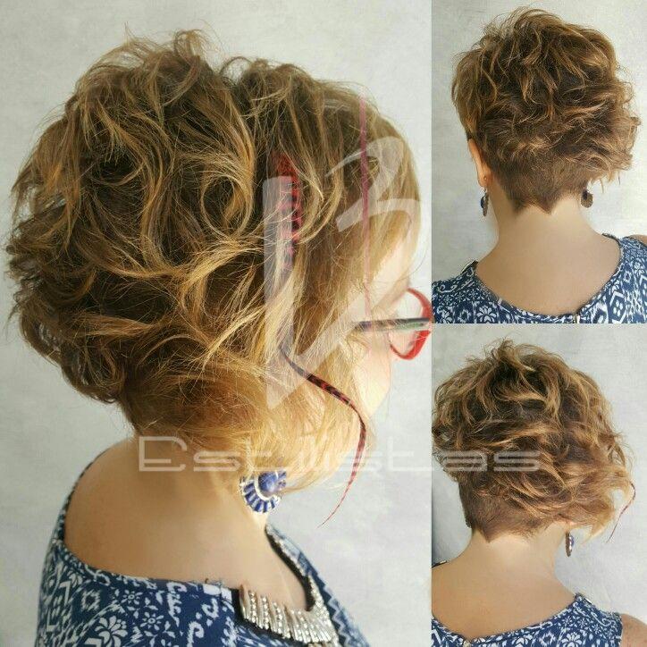 Cortes de Verano con Estilo! #haircut #bobhaircut #pixiecut #plumahair #feather #haircurls #verano2017💥 #asimetria #rapados #bohostyle #bohochicstyle #hairdresser #room #backstage #laurabernalestilistas