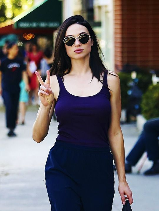 Crystal Reed in LA, November 9th 2016. Pinned by @lilyriverside