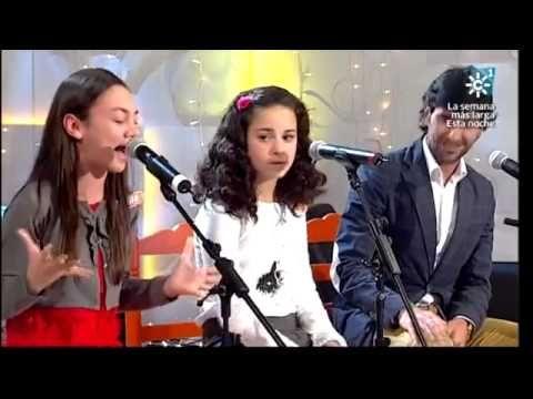 """Alumnos de Cante Flamenco en el programa """"Menuda Noche"""" de Canal Sur."""