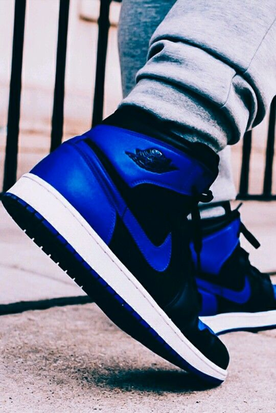 Royals- An absurdly expensive shoe that was made popular by not only their versatility but also due to the fact that have been spotted several times on the feet of Kanye West Deviant Word http://airjordangiveaways.com/23393/