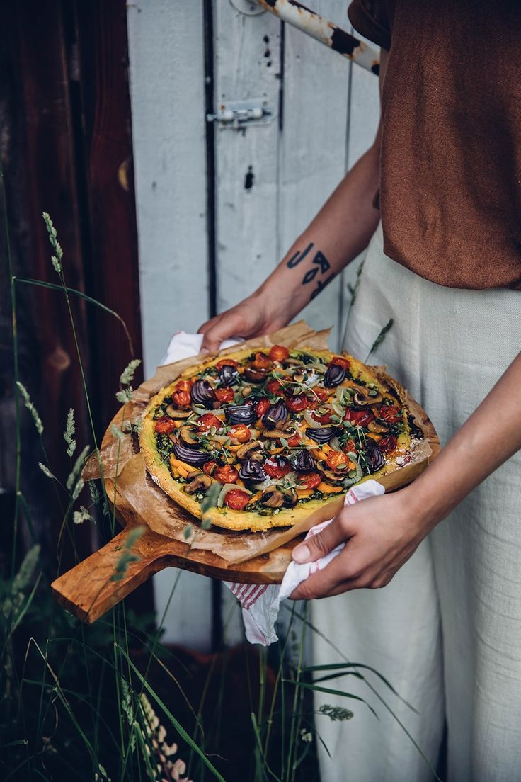 Gluten-free Vegan Pizza with Sweet-Potato-Dough