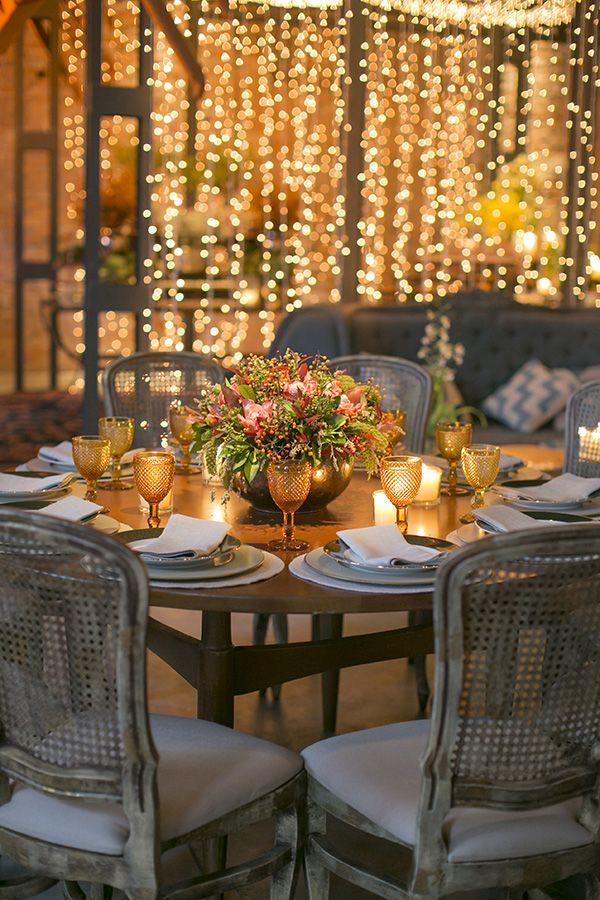 Mesa de convidados - Decoração de casamento industrial e tropical ( Decoração: Bothanica Paulista | Foto: Roberto Tamer )