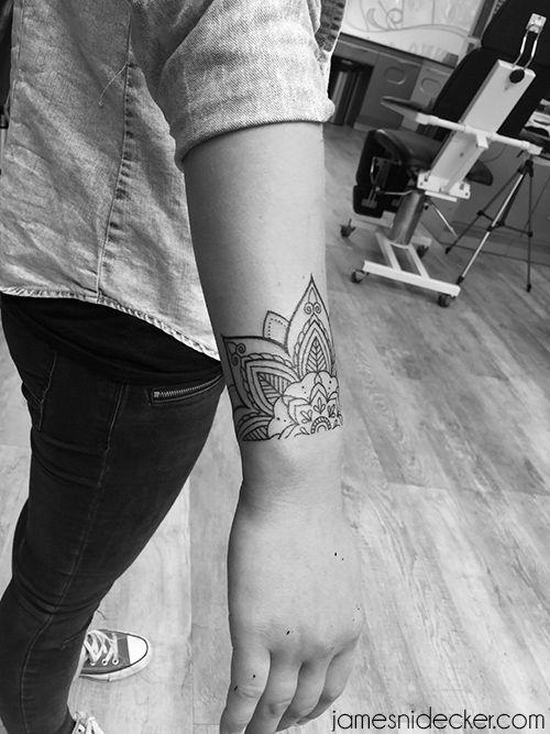 Amsterdam tattoo portfolio of line art, mandala, geometry, old school and dotwork tattoos by James Nidecker