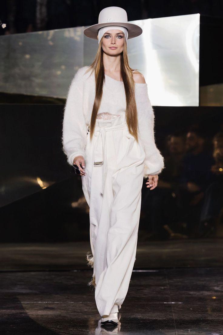 Fra Freja Beha og plus size-modellen Ashley Graham til 42-årige Amber Valetta: Se H&M's smukke hyldest til diversitet og feminin styrke