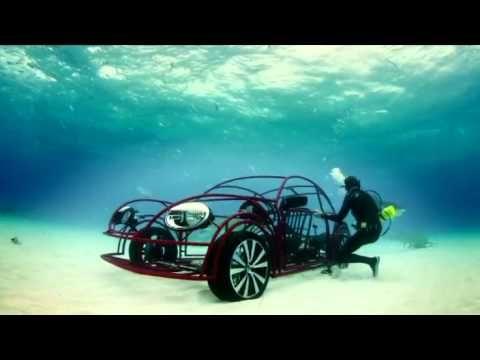 폭스바겐 비틀과 상어가 만난다면?? 디스커버리채널 25주년 기념으로 바다에서 진행된 멋진 동영상 입니다. 폭스바겐 비틀 모양의 케이지를 구축해서 상어무리 한가운데로,.