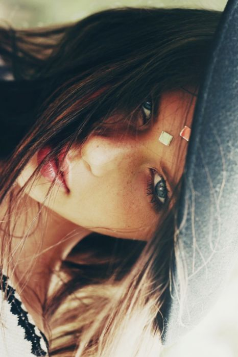 : Gypsy Fashion, Boho Gypsy, Dark Hair, Inspiration, Style, Beautiful, Sexy Girls, Purple Eye Makeup, Photography