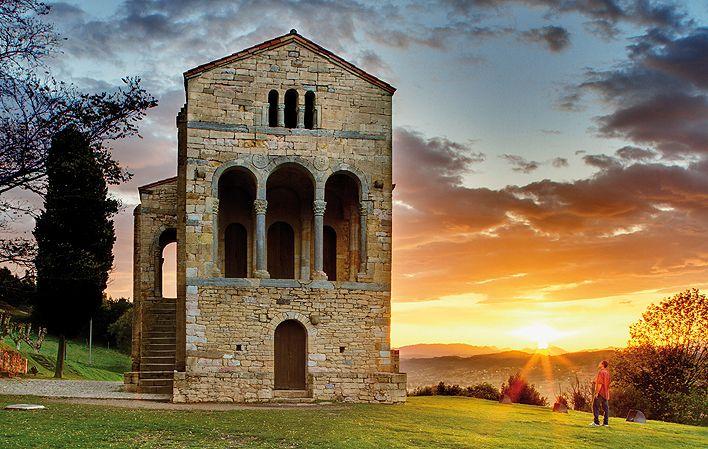Prerrománico Asturiano. Santa María del Naranco. Oviedo