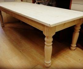 Scrivania In Legno Minnie Mouse : Tavolo stile 800 legno grezzo massello abete con gambe tornite legno