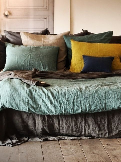 Absolutely love these colors!!! I sense a new bedroom color palette in my future!
