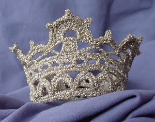 Crochet princess crown - So cute and so easy to make