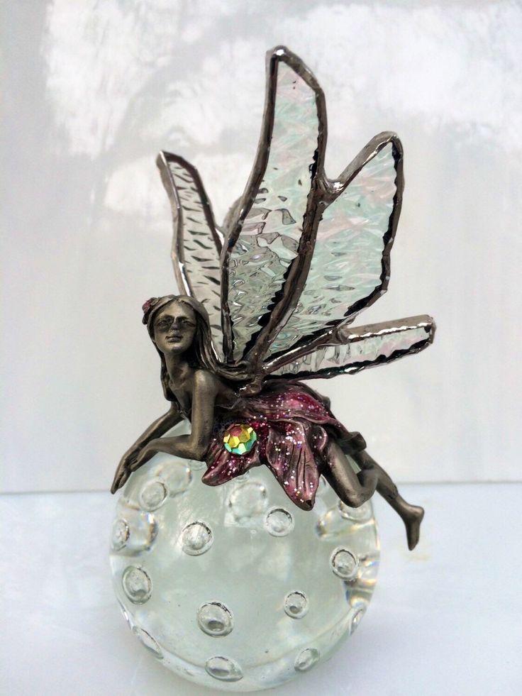 Een persoonlijke favoriet uit mijn Etsy shop https://www.etsy.com/listing/238173662/glass-fairy-tiffany-glass-angel-fairy