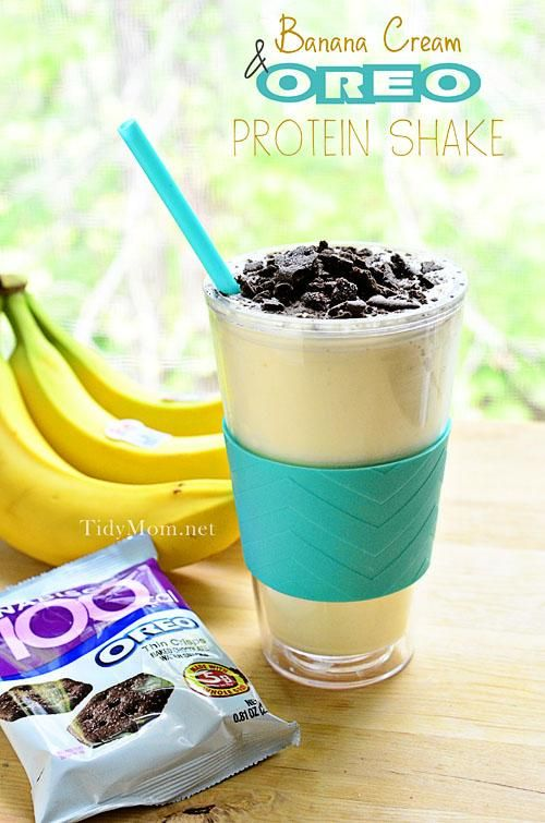Banana Cream & Oreo Protein Shake at TidyMom - A lightened up homemade version of your favorite ice cream shake that's affordable too! #banana