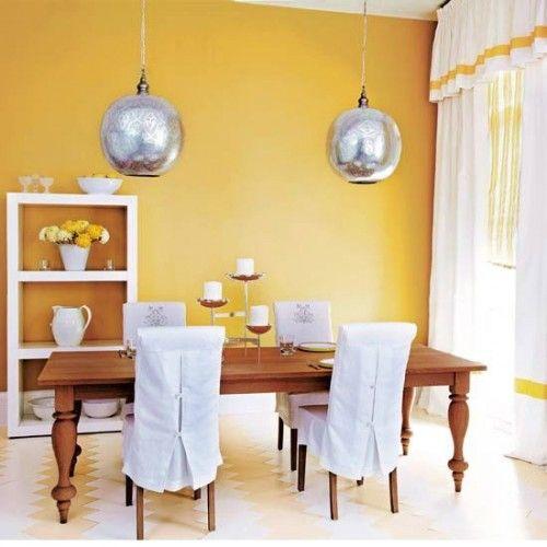 gelbe Wand im esszimmer