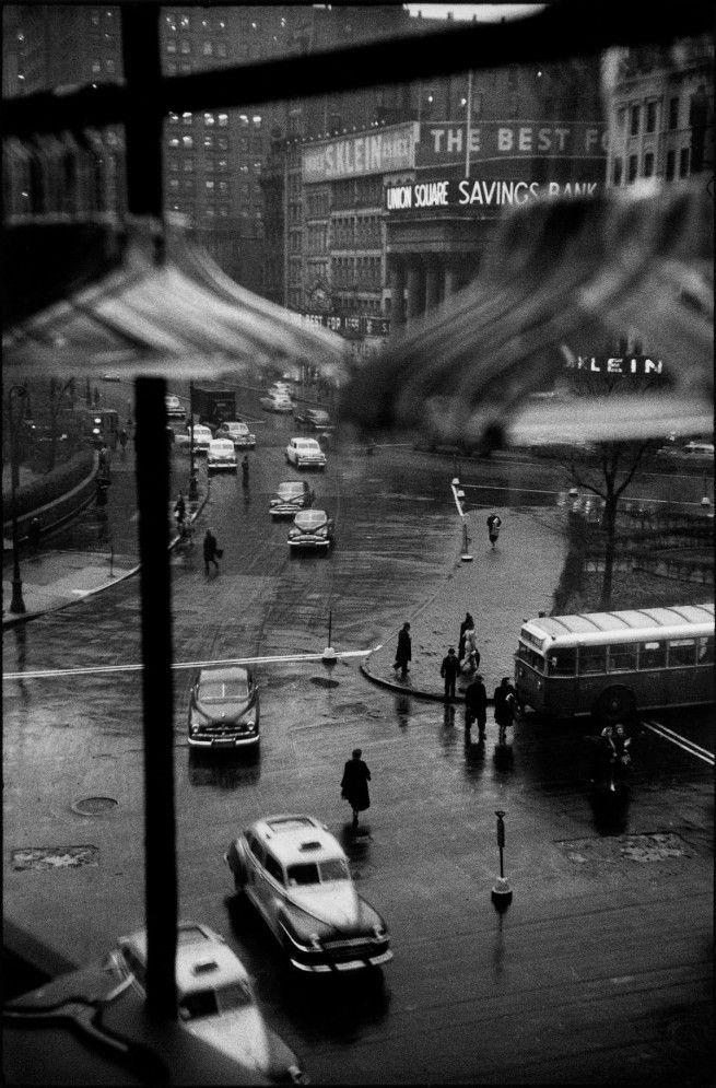this isn't happiness™ (Union Square, c. 1948-1950 - Louis Faurer), Peteski
