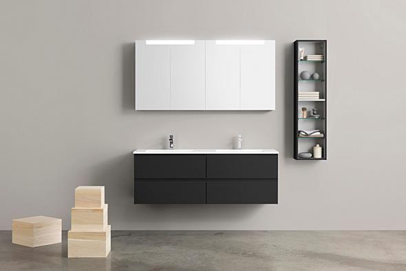 Badrumsmöbler - Aspen. A140 Norm Underskåp i Antracit med tvättställ i Evermite. A140 Spegelskåp i Antracit med ovanbelysning. Väggskåp 30x120.