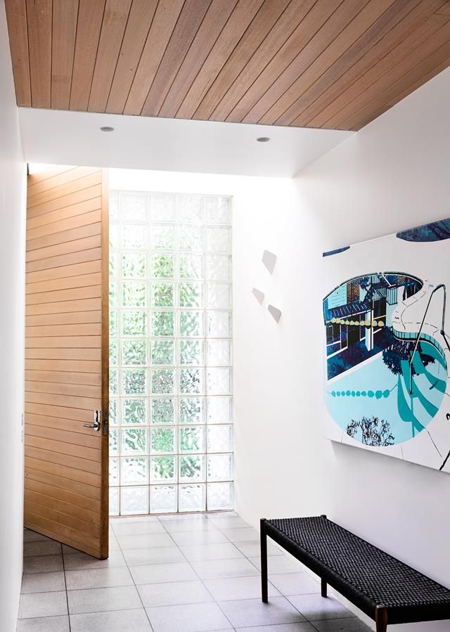 Entry to a 1980s-inspired Melbourne home designed by Mardi Doherty. Photo: Derek Swalwell
