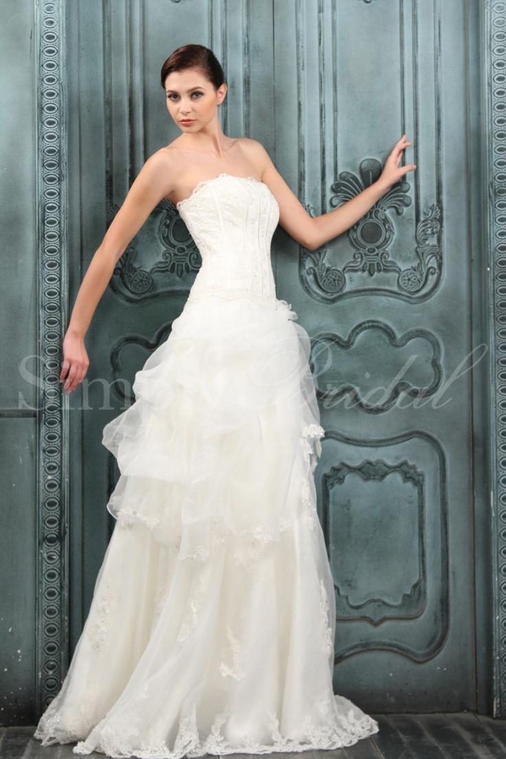38 best Wedding Dresses images on Pinterest | Wedding frocks ...