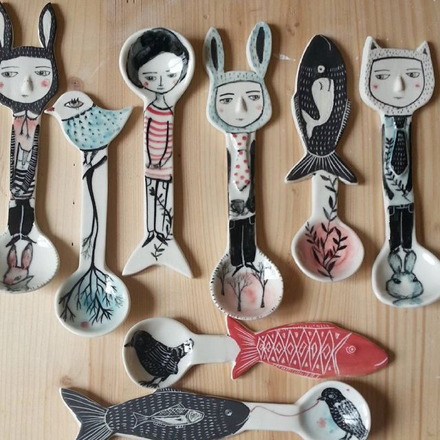 Well after fired, cause some people ask me sometimes how my spoons turne after fired so here they are, no filter @decembermeisje #spoons#porcelain#drawings#studiolife #ceramic #