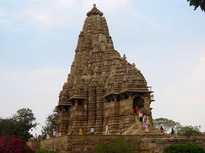 Beautiful architecture of Khajuraho Temples - Madhya Pradesh #India